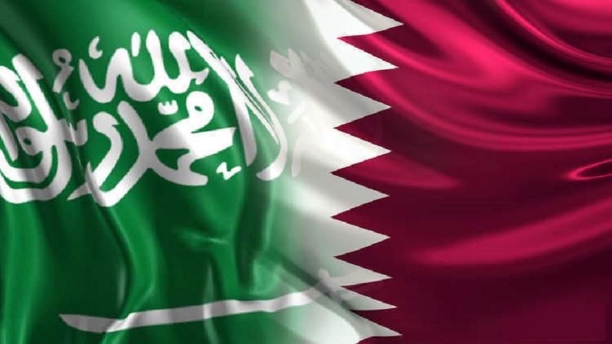 """Photo of حمد بن جاسم: """"السعودية تتضوّر جوعا""""…وأمير سعودي يرد: """"خليك في بيتك""""!!"""